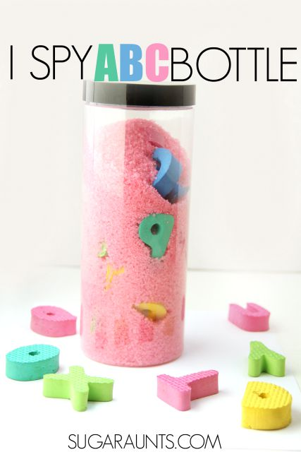 THIS works amazing for calming down toddlers during temper tantrums or just to keep them busy for a couple of minutes. | DIY Alphabet Sensory Bottle Idea for Toddlers