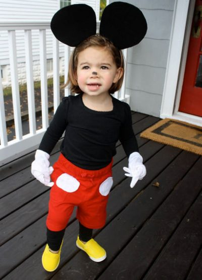 She's SO CUTE! | DIY Mickey Mouse Halloween Costume for Toddlers